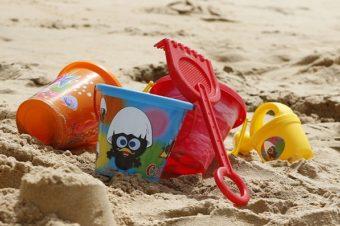 Co robić z dziećmi w wakacje? 100 pomysłów na zabawy na lato